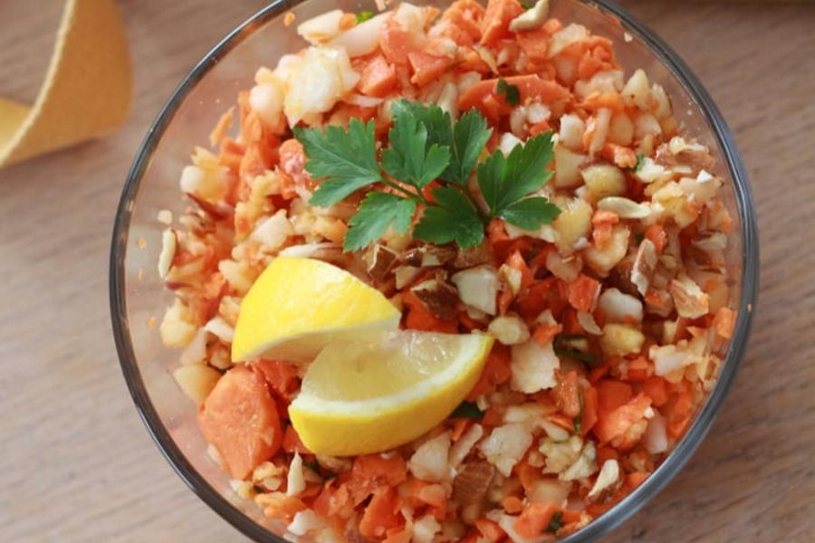 Découvrez une salade vitaminée à base de radis noir et carottes par une dieteticienne